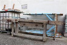 Antico banco da lavoro in legno massello