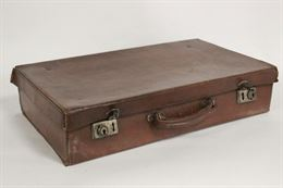 Valigia vintage in pelle marrone chiaro inglese