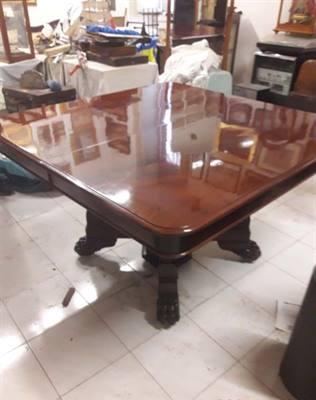 Tavolo origine inglese