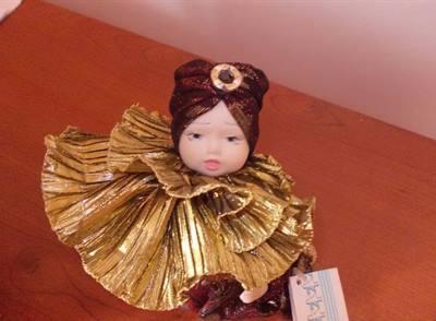 Bambola porcellana Capodimonte Tris