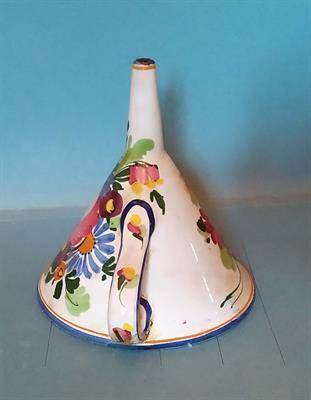 Imbuto per cucina in ceramica decorata a mano anni 60