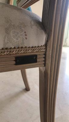 Sedie in legno lavorato