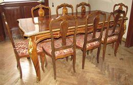 Sala da pranzo in stile con intarsi