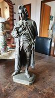 Statua in bronzo del beccaria