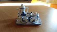 Miniatura servito da té per due in ceramica