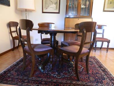 Tavolo e sei sedie in mogano 800 Inglese